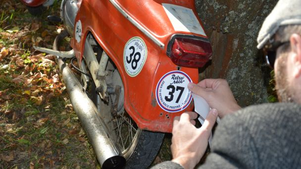 JAWA 50 Retro Race