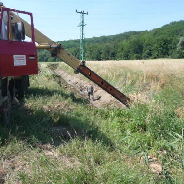 Čistenie odvodňovacieho kanála
